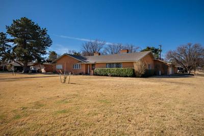 1211 YONKERS ST, Plainview, TX 79072 - Photo 2