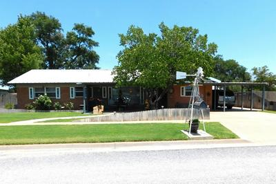 917 E GUM AVE, Muleshoe, TX 79347 - Photo 1