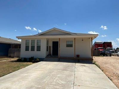 400 NE AVENUE H, Seminole, TX 79360 - Photo 1