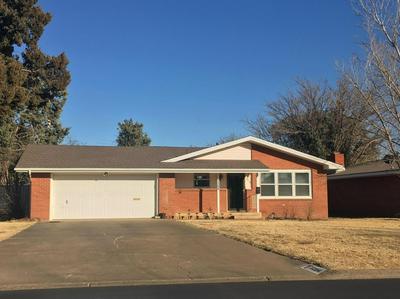 1206 ENNIS ST, Plainview, TX 79072 - Photo 1