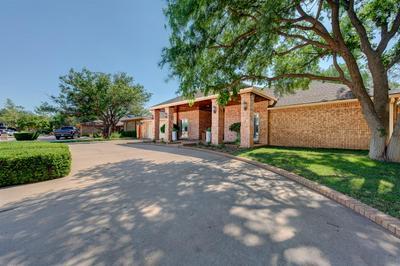 21 BRENTWOOD CIR, Lubbock, TX 79407 - Photo 2