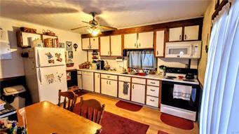 399 MAIN ST, Parryville Borough, PA 18244 - Photo 2