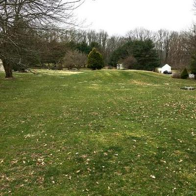 61 FRUTCHEY CT, Mount Bethel, PA 18343 - Photo 2