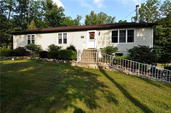118 APPALACHIAN DR, Chestnuthill Twp, PA 18330 - Photo 1