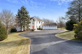 2877 WILSHIRE CT, Lowhill Twp, PA 18069 - Photo 2