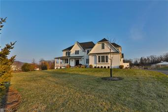 1568 COURTNEY CT, Lower Saucon Twp, PA 18055 - Photo 2