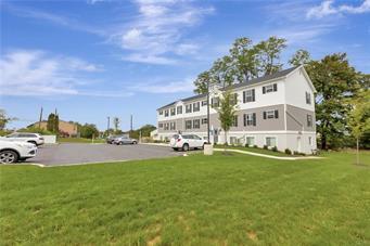 315 E STONE ALY, Alburtis Borough, PA 18011 - Photo 2