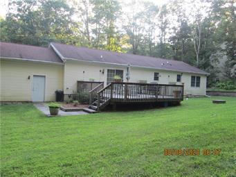 2529 GREEN FOREST CT, Polk Twp, PA 18058 - Photo 2