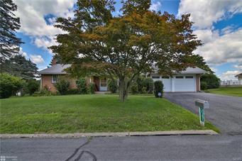 5547 LOUISE LN, East Allen Twp, PA 18067 - Photo 2