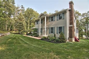 3172 WOODCREST AVE, Chestnuthill Twp, PA 18330 - Photo 2