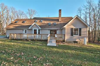 153 ERICA DR, Chestnuthill Twp, PA 18353 - Photo 2