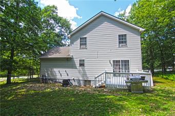 198 OAKENSHIELD DR, Pike County, PA 18371 - Photo 2