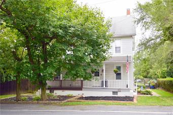 1325 BLUE MOUNTAIN DR, Lehigh Township, PA 18038 - Photo 2