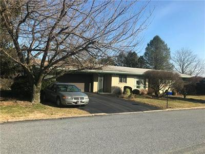 2529 GAP VIEW RD, SLATINGTON, PA 18080 - Photo 1