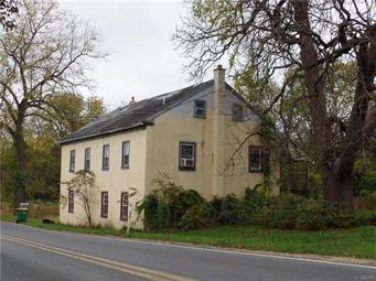 8800 LONGSWAMP RD, Alburtis Borough, PA 18011 - Photo 1