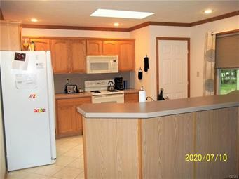 332 BRIER CREST RD, Tunkhannock Township, PA 18610 - Photo 2