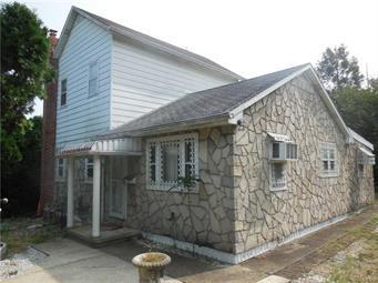 399 E KLEINHANS ST, Easton, PA 18042 - Photo 1