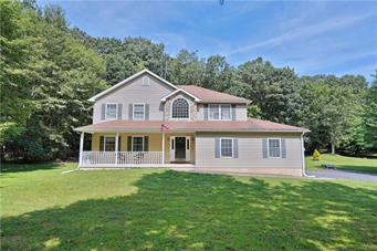 188 WOODS XING, Chestnuthill Twp, PA 18353 - Photo 1