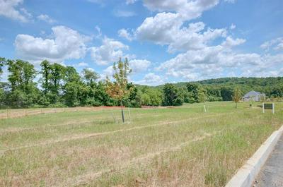 5109 HUNTER LN # 7, Upper Milford Township, PA 18049 - Photo 2