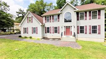 504 GANDOLF RD, Pike County, PA 18371 - Photo 1