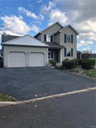 15 CROWN DR, Forks Twp, PA 18040 - Photo 2