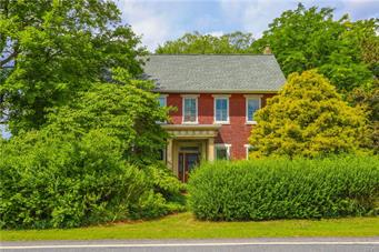 1329 BLUE MOUNTAIN DR, Lehigh Township, PA 18038 - Photo 2