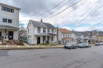 704 LECHAUWECKI AVE, Fountain Hill Boro, PA 18015 - Photo 2