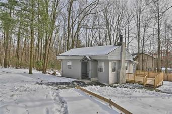 1412 DONALDS RD, Chestnuthill Twp, PA 18330 - Photo 1