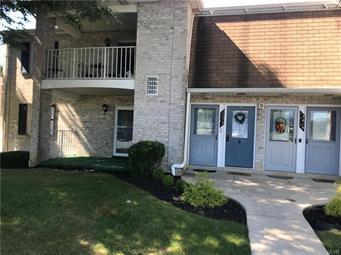 2602 ROLLING GREEN DR, Lower Macungie Twp, PA 18062 - Photo 1