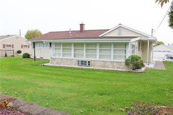21 SAYLOR DR, Coplay Borough, PA 18037 - Photo 2