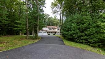 3223 PINE MOUNTAIN CT, Chestnuthill Twp, PA 18353 - Photo 1