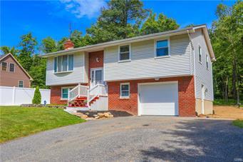 1450 BLUE MOUNTAIN DR, Lehigh Township, PA 18038 - Photo 1