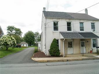 122 N WALNUT ST, Macungie Borough, PA 18062 - Photo 2
