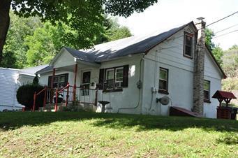 356 STRAWBERRY HILL RD, Hamilton Twp, PA 18353 - Photo 2