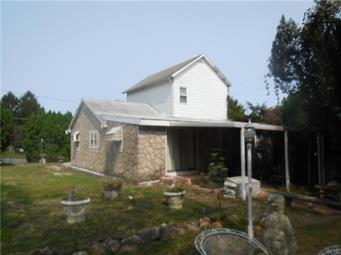399 E KLEINHANS ST, Easton, PA 18042 - Photo 2