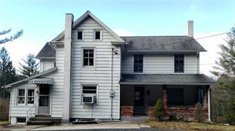 345 DOTTERS CORNER RD, Polk Twp, PA 18058 - Photo 1
