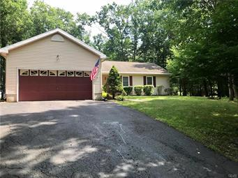 14 WHIPPOORWILL DR, Chestnuthill Twp, PA 18353 - Photo 2