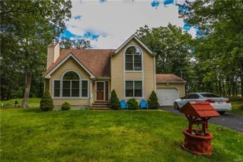 1401 BEAR DR, Pike County, PA 18324 - Photo 1