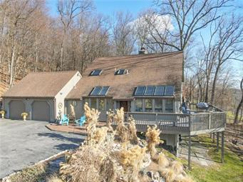 1939 WEYHILL DR, Upper Saucon Twp, PA 18034 - Photo 1