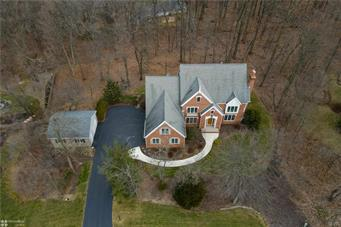 5571 DAISY LN, Upper Saucon Twp, PA 18036 - Photo 2