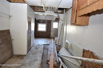 110 SOUTH AVE, Jim Thorpe Borough, PA 18229 - Photo 2