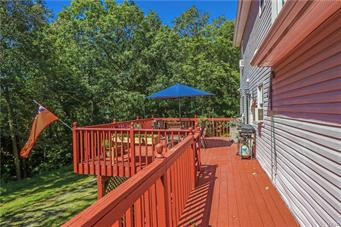 277 ROCK LEDGE DR, Price Twp, PA 18326 - Photo 2