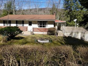 2575 UPPER SMITH GAP RD, Ross Twp, PA 18353 - Photo 2
