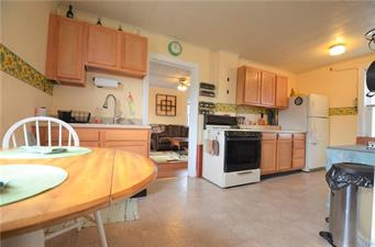 1049 LEHR DR, Upper Macungie Twp, PA 18051 - Photo 2