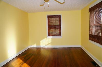 102 THIRD ST, Brookneal, VA 24528 - Photo 2