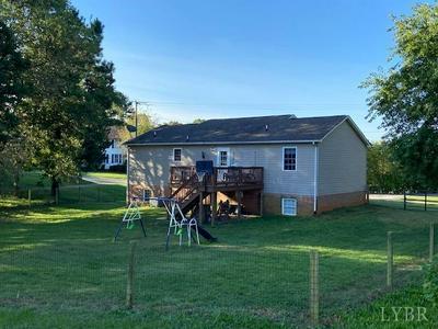 545 LEE GRANT AVE, Appomattox, VA 24522 - Photo 2