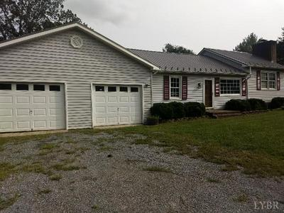 111 HALE ST, Brookneal, VA 24528 - Photo 2