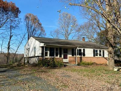 621 ELDON RD, Appomattox, VA 24522 - Photo 1