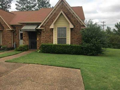8194 TOWN N COUNTRY DR, Memphis, TN 38016 - Photo 1