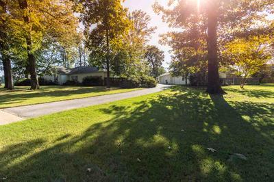 9378 WINCHESTER RD, Germantown, TN 38138 - Photo 2